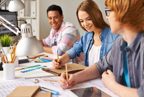 Los beneficios de la enseñanza en grupos reducidos